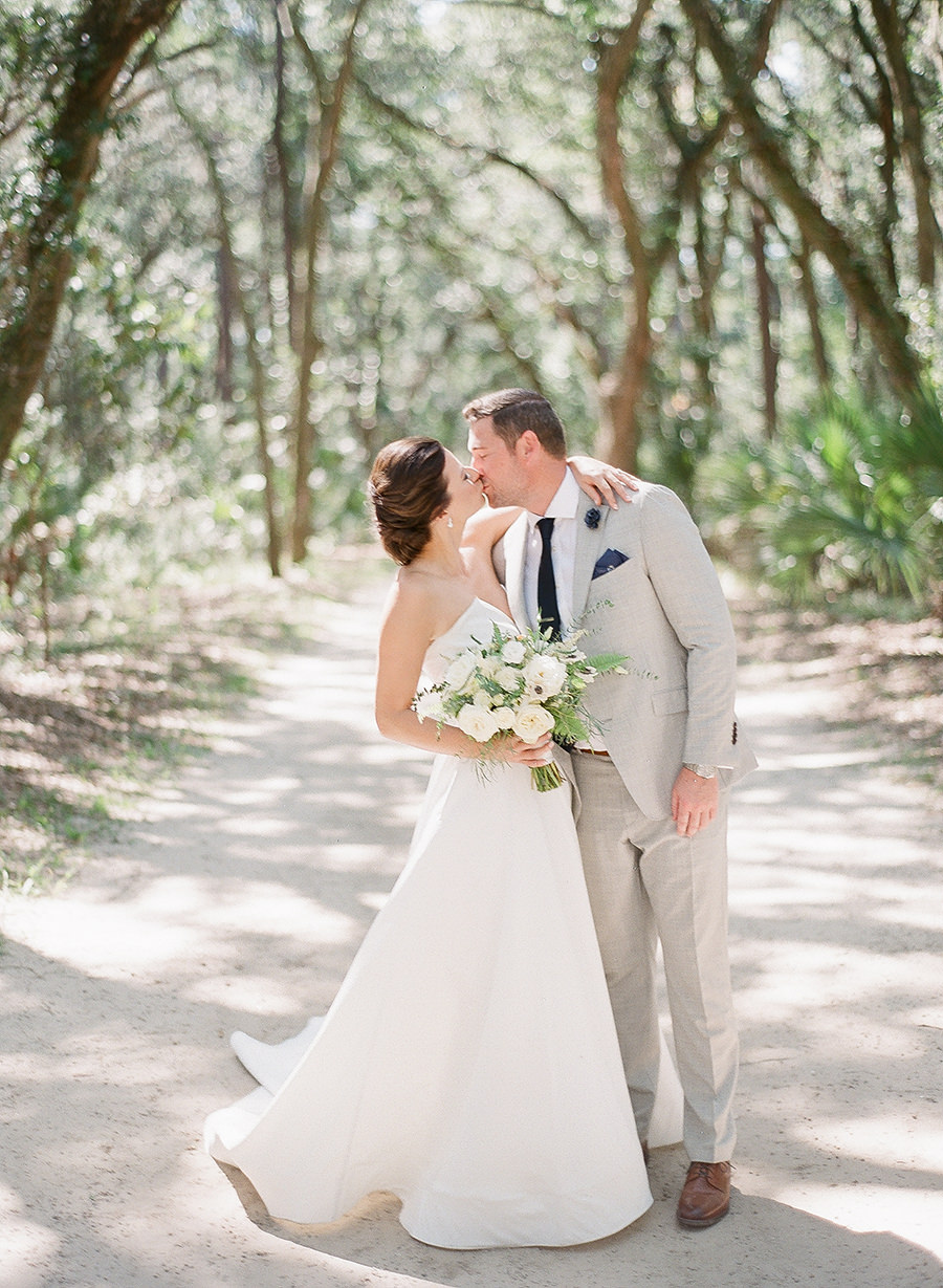 bride-and-groom-wedding-photos-palmetto-bluff-josh-morehouse-photography